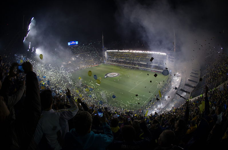 Incidentes-Boca-vs-River-imagenes_LNCIMA20150515_0100_5