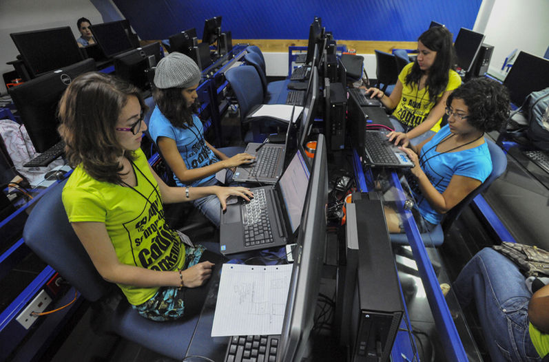 costa rica mujeres hackers apps